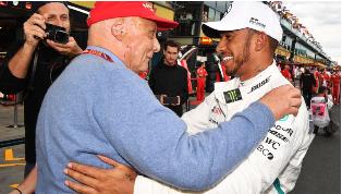 刘易斯汉密尔顿发出尼基劳达的致敬 因为F1表示敬意