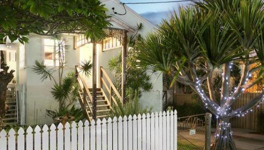 黄金海岸海滩房子让人想起20世纪50年代的时代