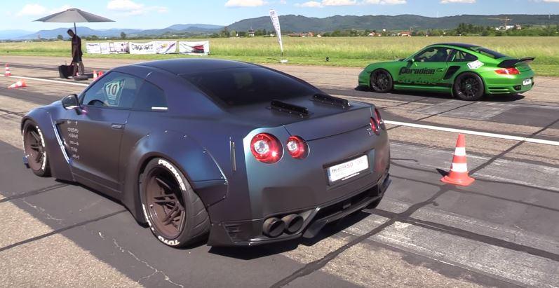 调整日产GT-R阻力赛9ff保时捷911 Turbo Obliteration跟随