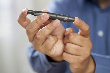 一种与iPhone和Apple Watch紧密集成的血糖监测仪
