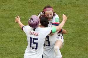 美国击败荷兰队夺得第四届女足世界杯冠军