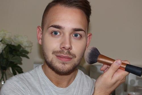 男人懂起美妆来 不仅自己买买买 还能让女人买买买