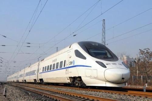中国火车在古巴开动 看到全新设备的乘客乐开了花