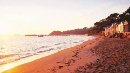 黄金海岸腹地物业为买家提供了破坏避免和房屋的机会
