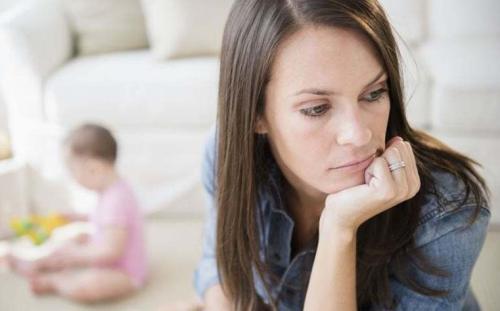 紧急剖腹产使新妈妈面临更高的产后抑郁风险