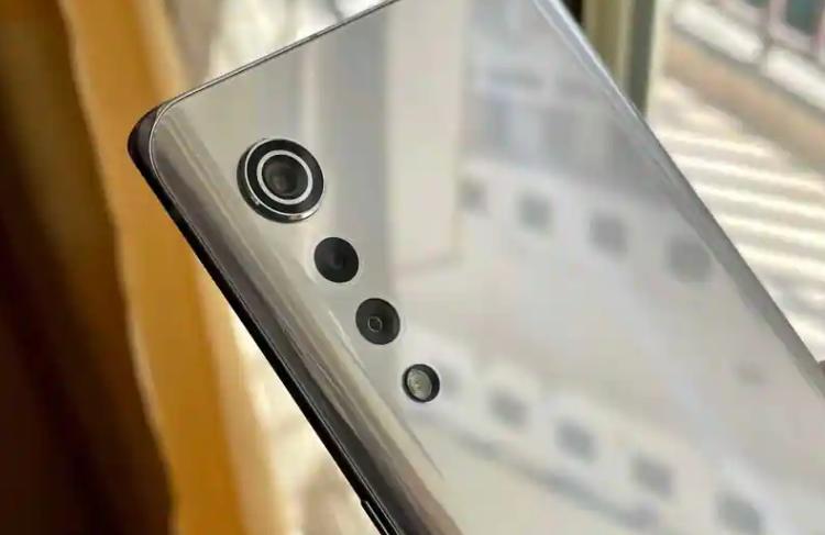 LG推出的最后两款高端手机是LG V60和双屏LG Wing