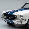 屡获殊荣的1965年Shelby GT350 PR汽车出现在闪亮的装甲中